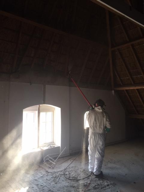 Henk Houtwormbestrijding op zolder van een boerderij